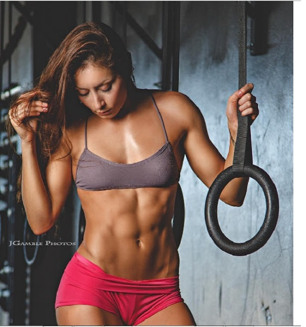 Hot girls Stephanie Buckland sexy strong body 7