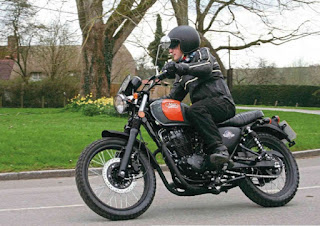 Mash Dirt Star 400 Review, Well-Priced Retro Street Scrambler