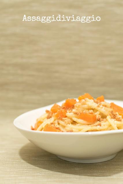 Spaghetti Gentile con zucca, conciato romano ed amaretti