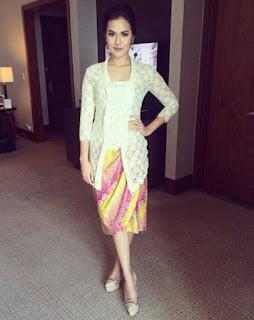 Baju Kebaya Modern Raisa Brokat Putih Lengan Tigaperempat Cantik