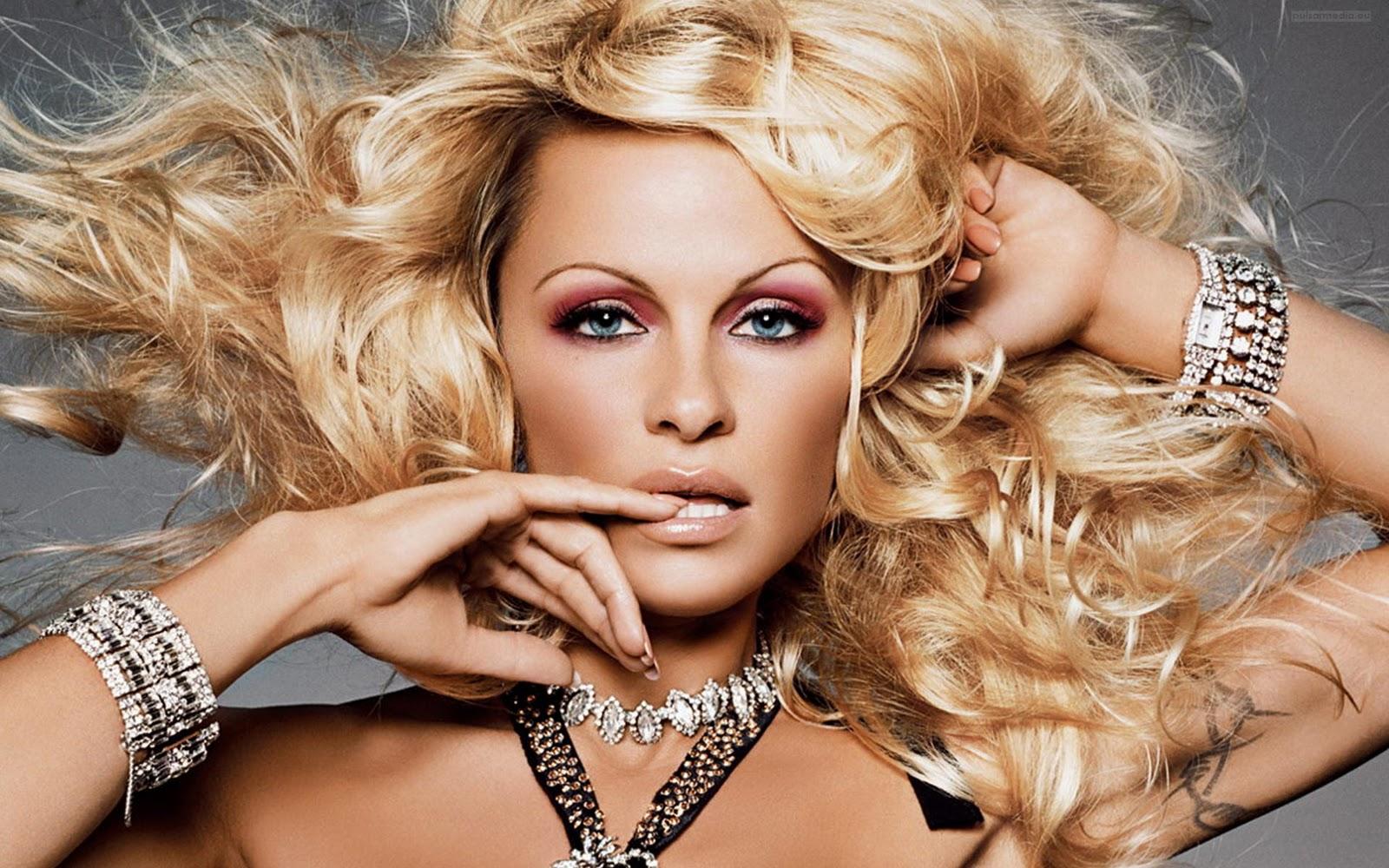 Celebrity Shine: Hot Hollywood Actress Pamela Anderson