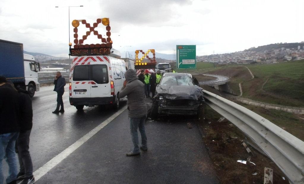 Kuzey Marmara Otoyolu'nda ardı ardına kaza: 1 ağır yaralı