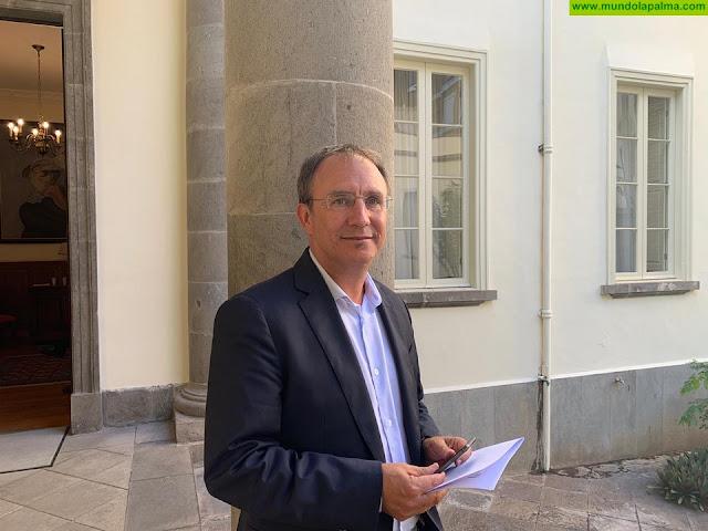 Sergio Rodríguez pide en el Parlamento que se dote de más medios a las escuelas rurales y se garantice su continuidad