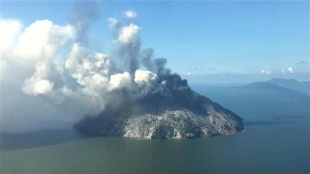 Papua New Guinea volcanic eruption sparks further evacuations