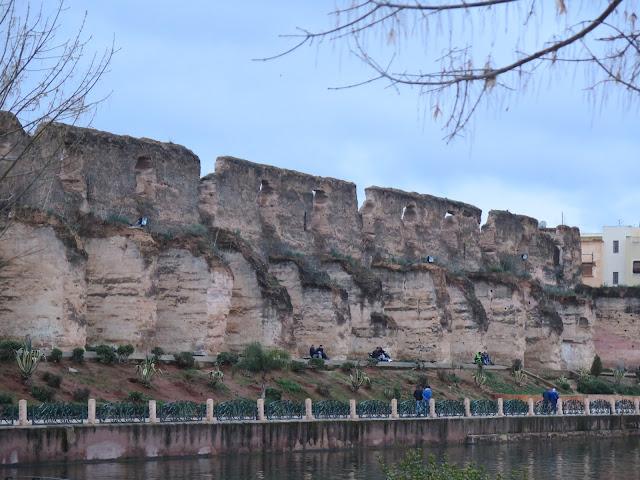 Murallas de los graneros reales