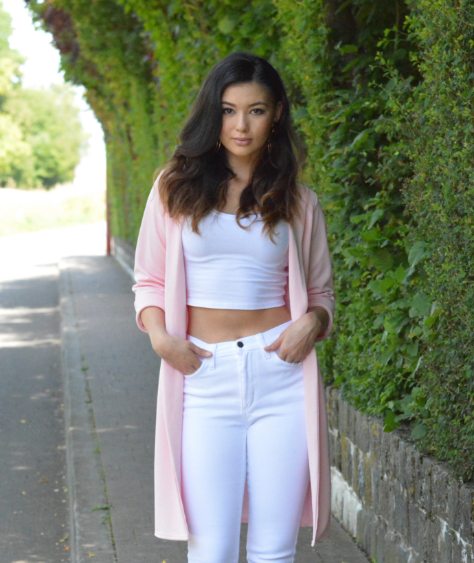 Boohoo Duster Jacket, Fashion Nova High Waist Jeans, Asos Crop Top, Primark Shoes