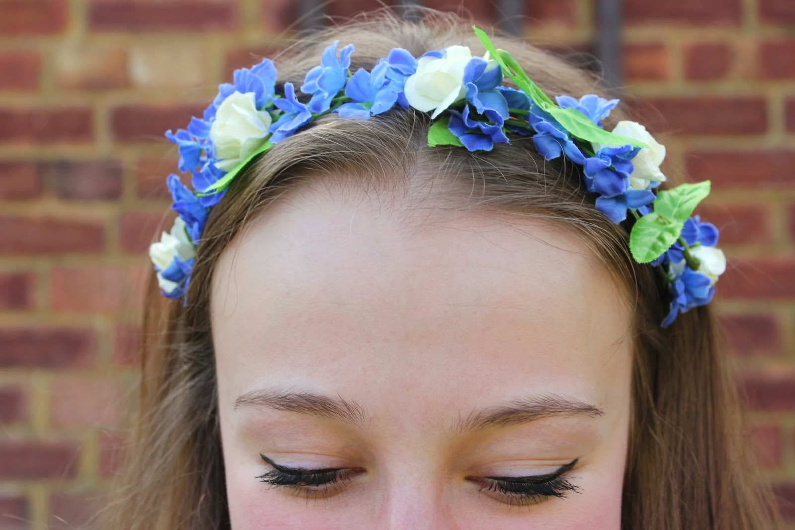blogger-accessories-inspiration-fashion-headdress-flower-garland-poppydaisy