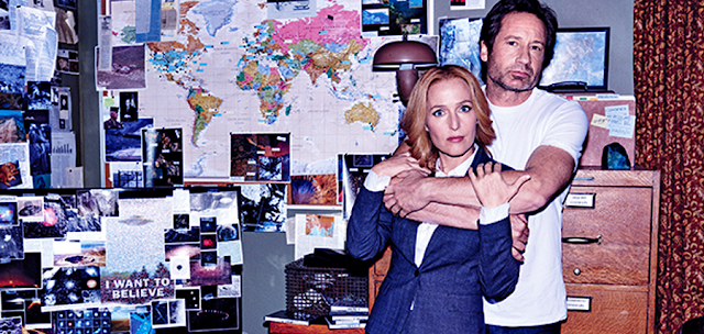 David Duchovny și Gillian Anderson pe platoutile de filmare pentru The X-Files