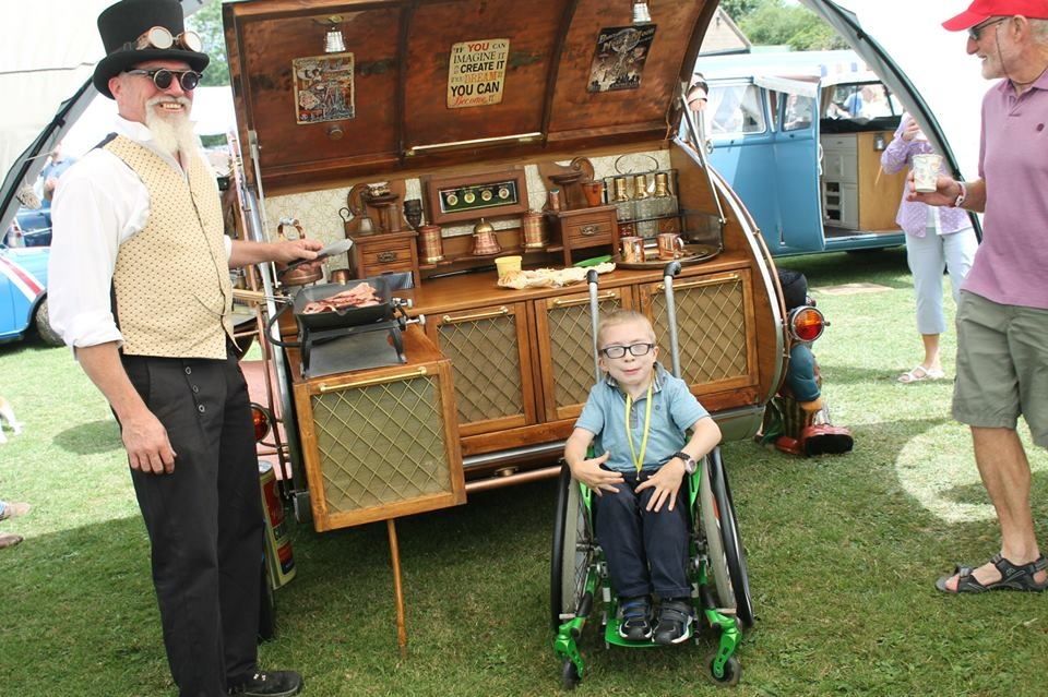 18-Dave-Moult-Tiny-Steampunk-Architecture-with-the-Teardrop-Trailer-www-designstack-co