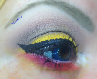 eye_make_up_smoky_egg_and_bacon