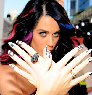 katy-perry-top-vedete-bogate-2012-blog vedete