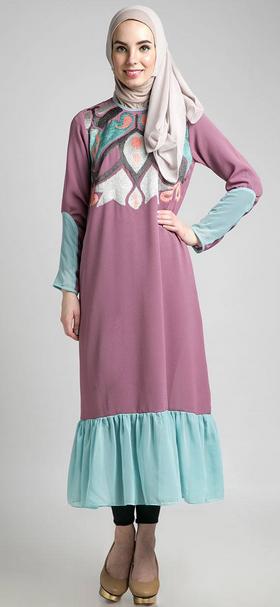Galeri Busana Muslim Kaftan untuk Wanita