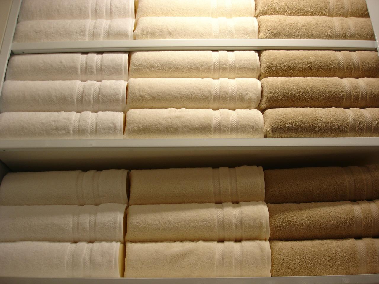 Come Piegare Le Lenzuola Matrimoniali.L Armadio Delle Lenzuola E Degli Asciugamani