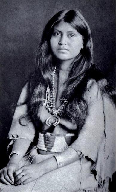 foto wanita cantik dan menarik di jaman dahulu