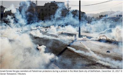 Israel Gunakan Gas Air Mata dan Granat Setrum Ketika Bentrok Dengan Rakyat Palestina di Bethlehem
