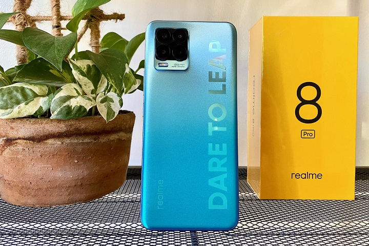 HOT: realme 8 Pro Unboxing, First Impressions, Sample Photos