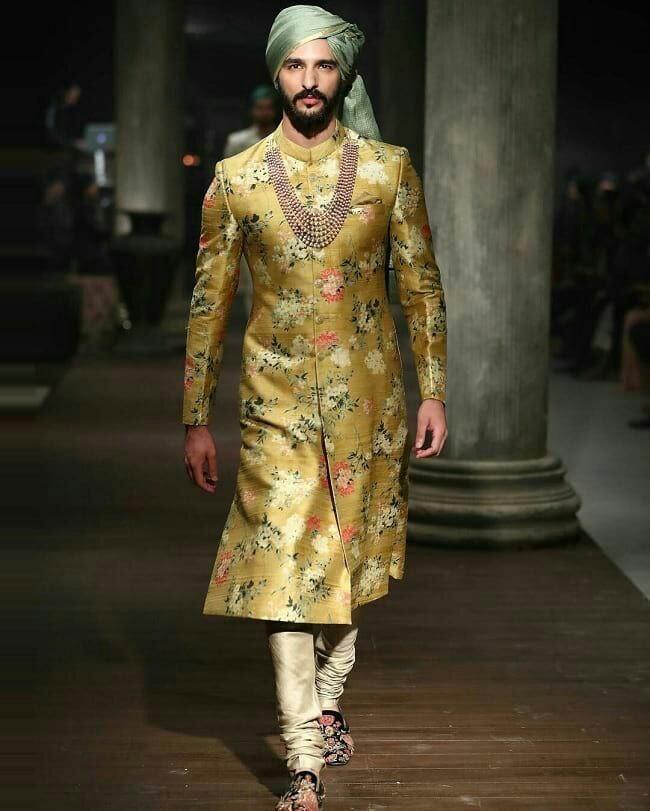 22 Stylish Mehndi Dresses For Men Mehndi Outfit Ideas For Groom