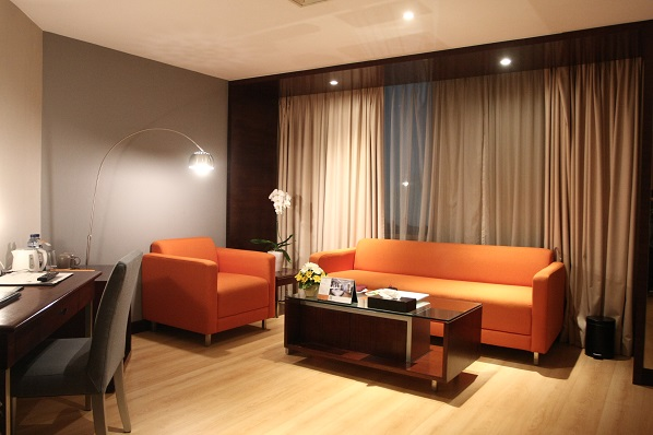 living room junir suite grand candi hotel