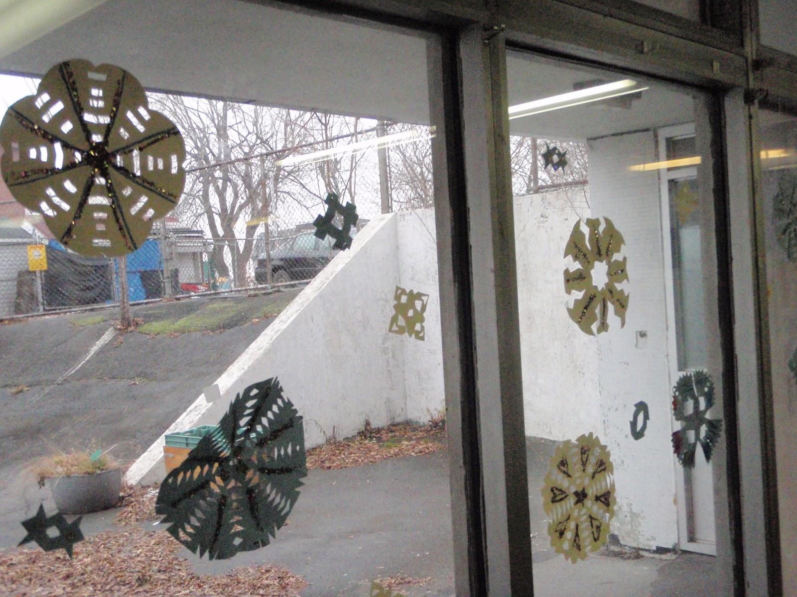 Abstract Creativity: Season Window Decorations - Winter