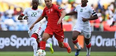 صورة من مباراة تونس وبوركينا فاسو
