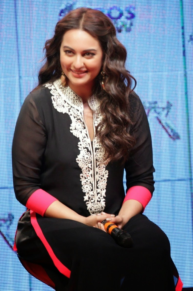 Sonakshi Sinha Cute In Black Dress  Cute Marathi -2394