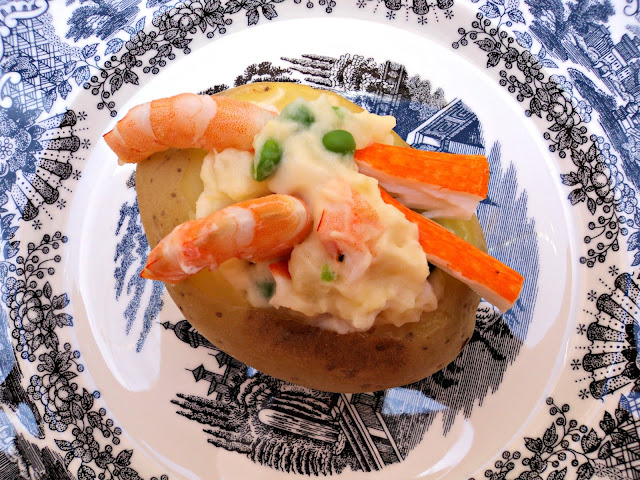 patatas-rellenas-ensaladilla-foto-cerca