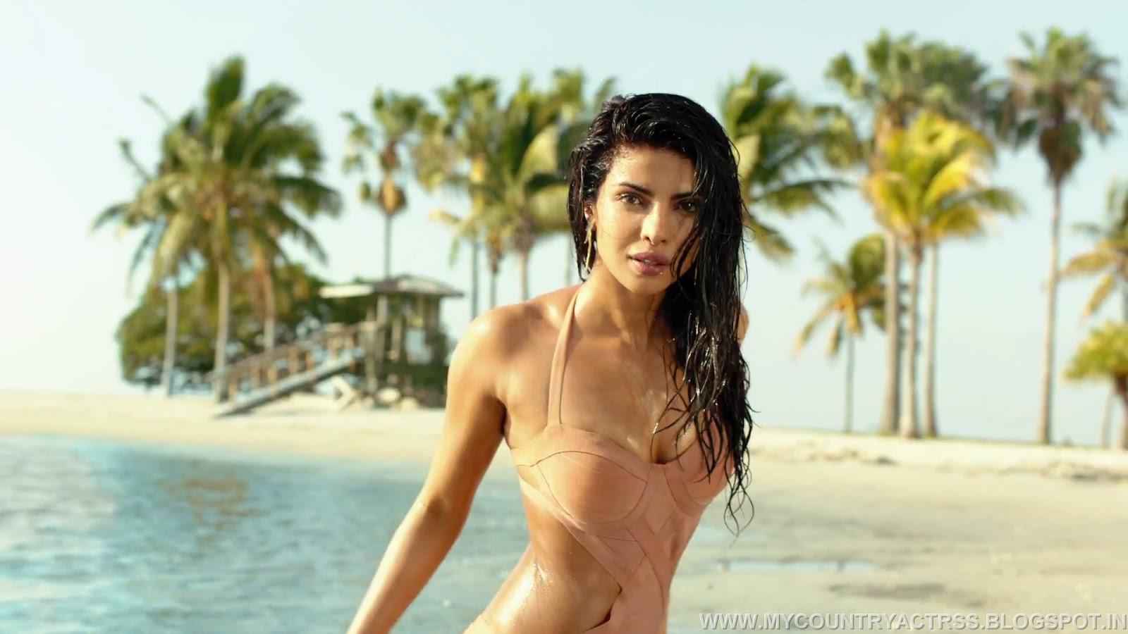 Raima Sen Priyanka Chopra Bikini Walpaper-5357
