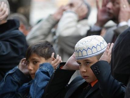 Rukun ketiga Shalat: Takbiratul Ihram - Seri #BelajarIslam