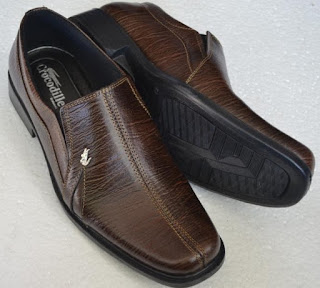 Gambar Sepatu Kulit Asli Coklat Tua