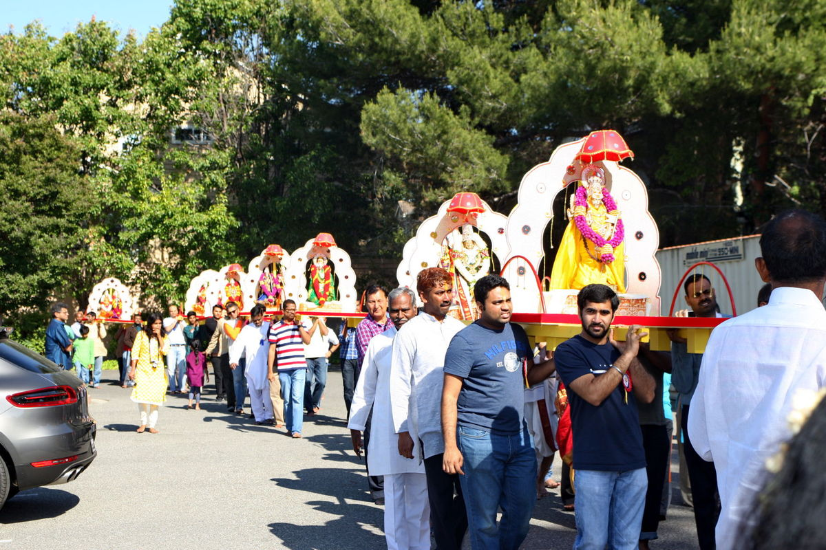Sunnyvale Hindu Temple Celebrates 25th Anniversary with Religious Fervor