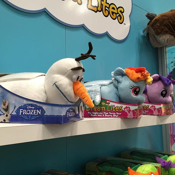 Rainbow Dash and Twilight Sparkle My Pillow Pet Dream Lite Plush at NY Toy Fair 2015