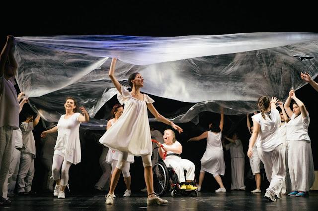 Η Θεατρική Παράσταση «Προς τ' άστρα» ταξιδεύει στο Ναύπλιο