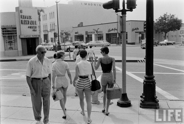 Female Short Pants In 1950s Day Shorts