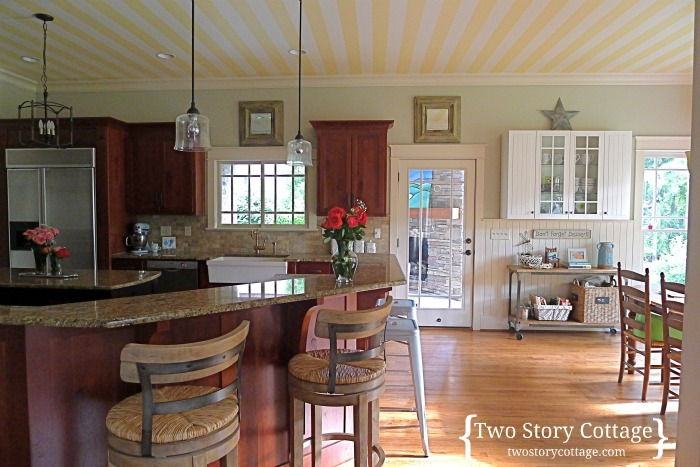 cottage kitchen wallpaper an official cottage kitchen wallpaper on the ceiling 2662