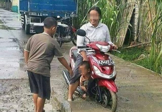 Kumpulan Foto Kocak!! Cuma Di Indonesia Kau Dapat Menemukan 10 Pengendara Motor Kaya Gini