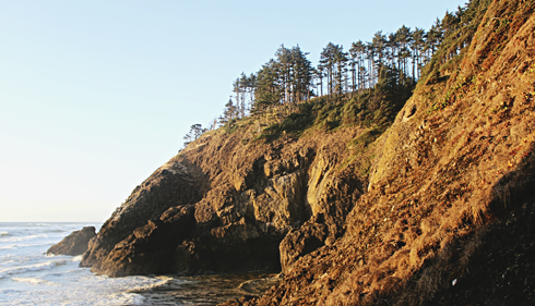hiking cliffs washington coast pch