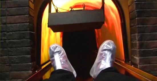 Chineses criam bizarro crematório virtual 4D assustadoramente real