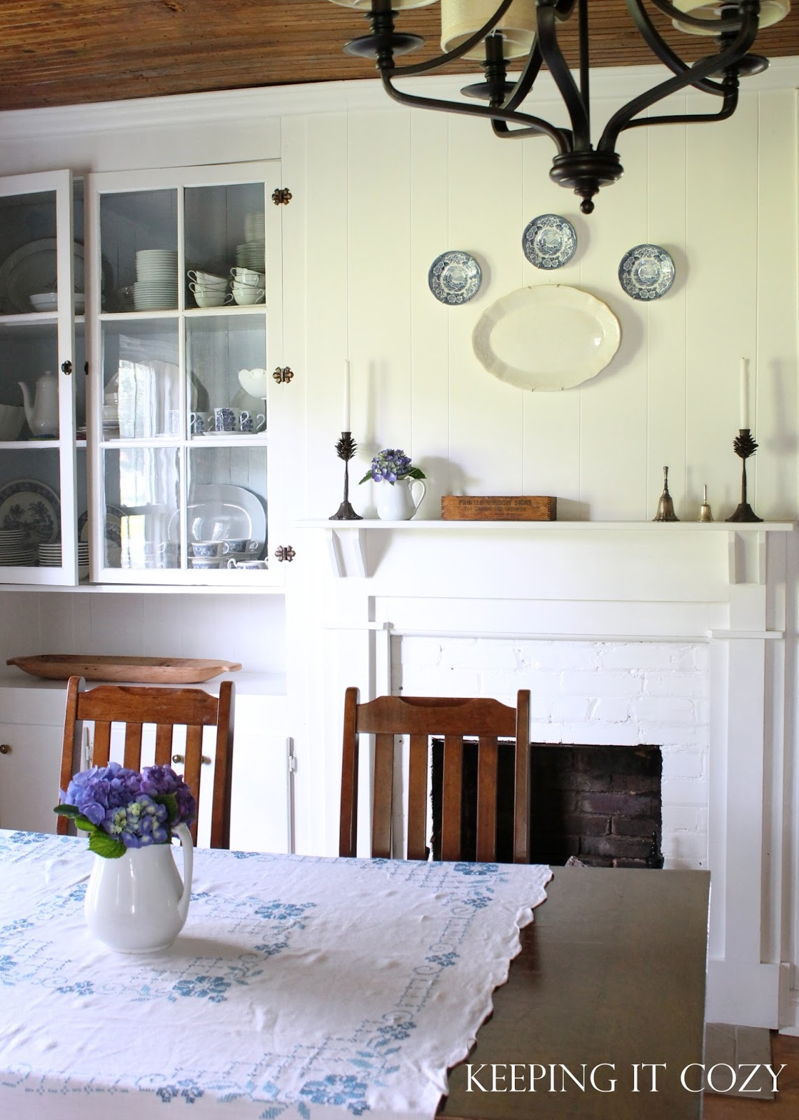 Keeping It Cozy: Summer Blues (In The Dining Room