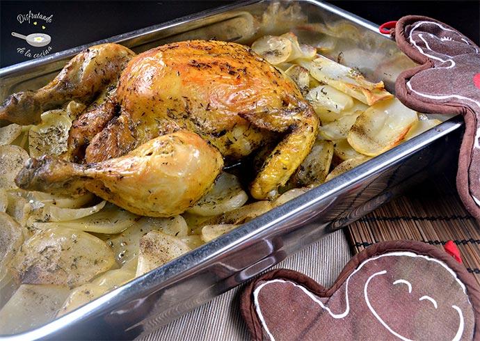 Pollo al horno con guarnición de patatas