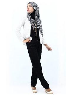 Baju kerja muslim modis untuk muslimah muda