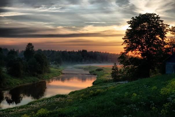صور رائعه لجمال السماء وصفاء الماء image035-759016.jpg