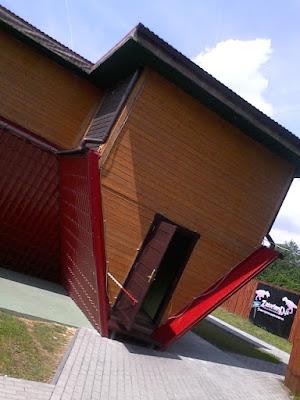 Zatorland - Dom do góry nogami