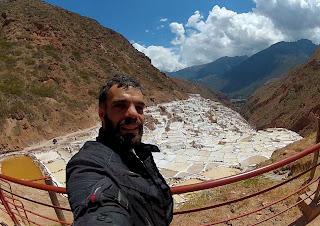 Bela paisagem nas Salineras de Maras / Peru.