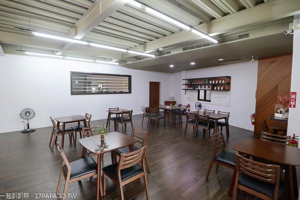 小虹田咖啡烘焙坊|環境寬敞舒適又安靜|下午茶好去處|太平一江橋旁