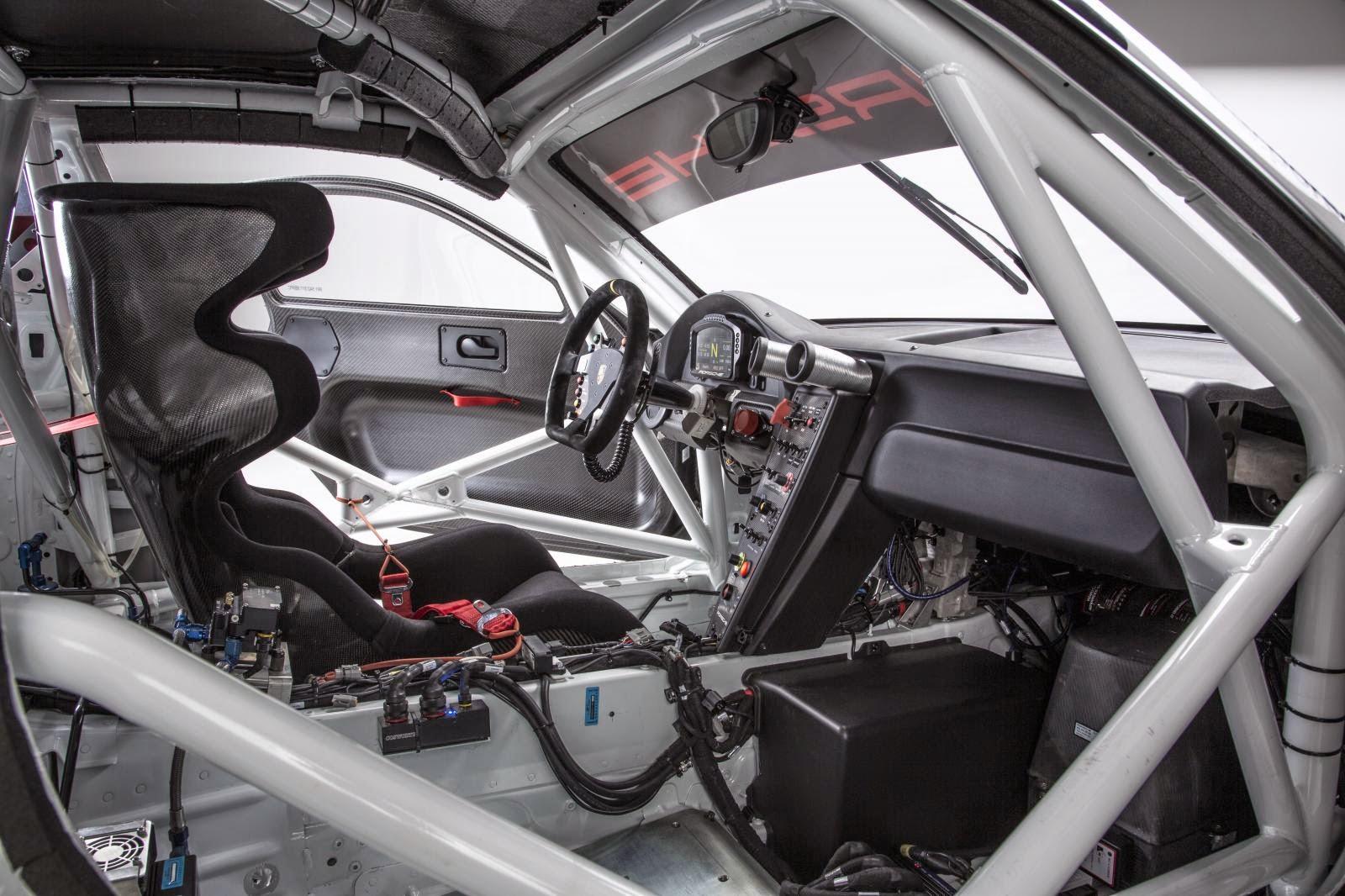 [Resim: Porsche%2B911%2BGT3%2BR%2B3.jpg]