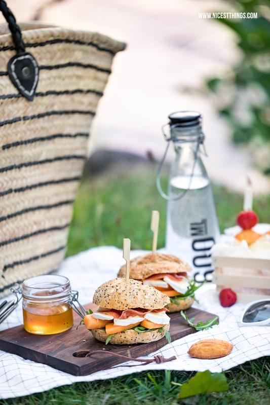 Picknick Rezepte: Burger mit Melone, Schinken, Géramont und Erdbeerspiesse