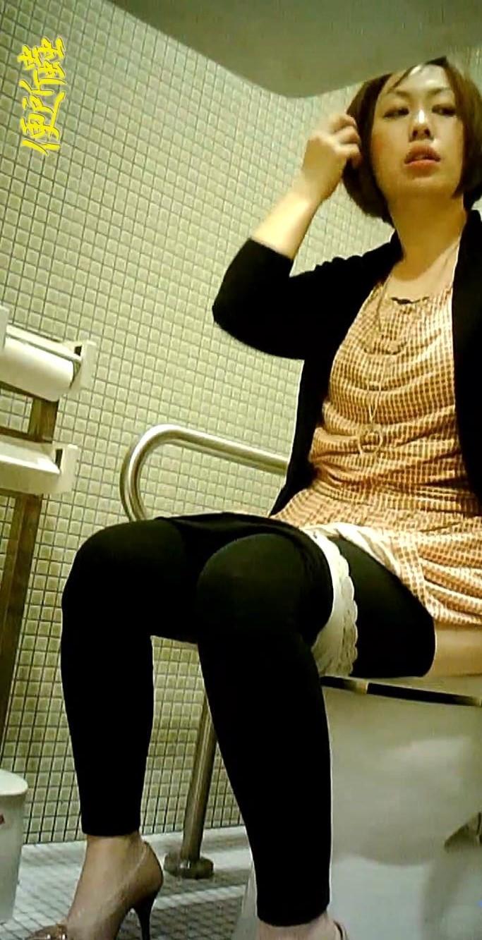 Asian Scandal Voyeur: Shopping mall public toilet 9