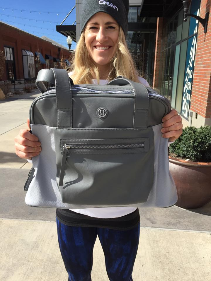 lululemon sweat and go bag