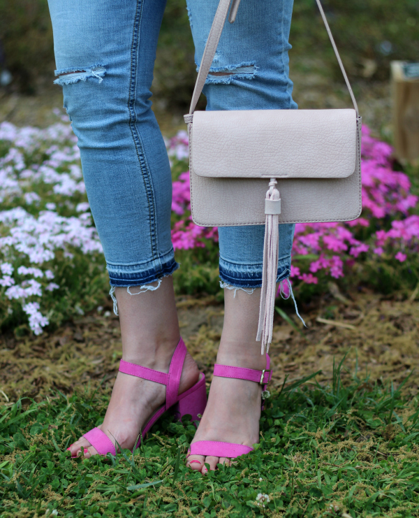 bohoblu, peplum top, spring style, how to style a white top, pink heels