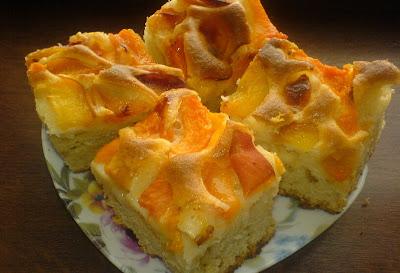 prajituri, dulciuri, deserturi, retete prajituri cu fructe, prajitura cu caise si piersici,